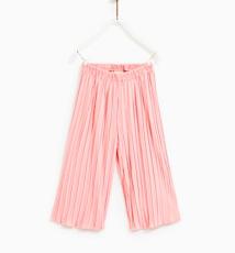https://www.zara.com/it/it/pantaloni-culotte-pliss%C3%A9-p09007616.html?v1=6003014&v2=1046027